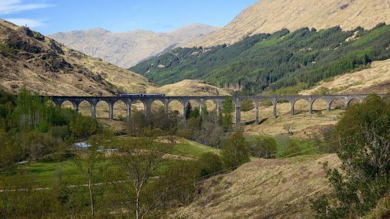 Glenfinnan Viaduct mit Westhighland-Train