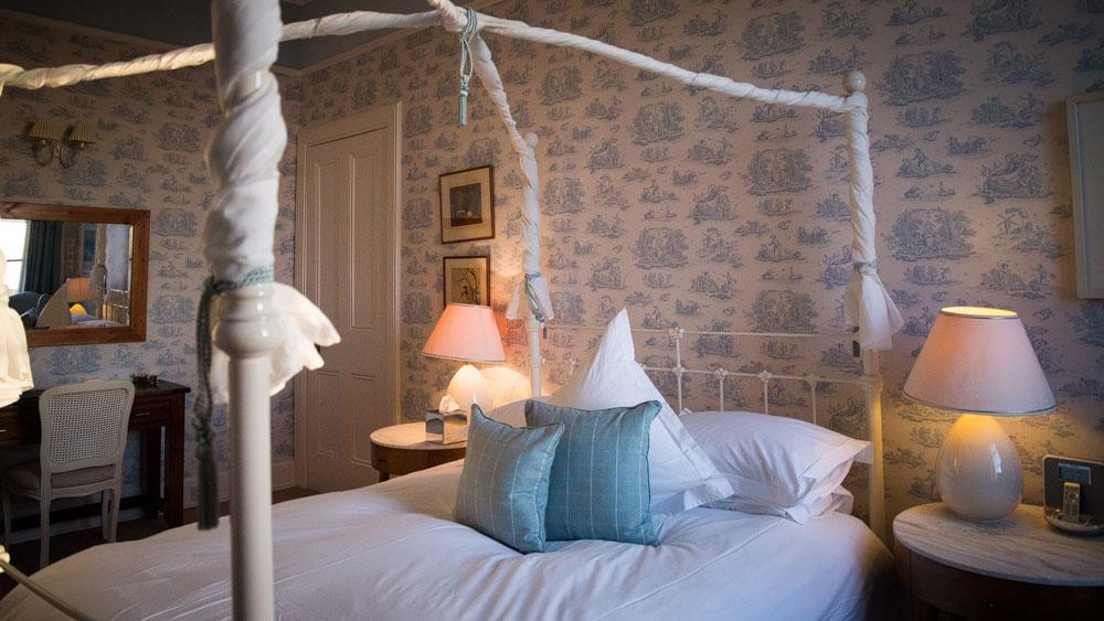 Pfostenbett auf Glengrom Castle
