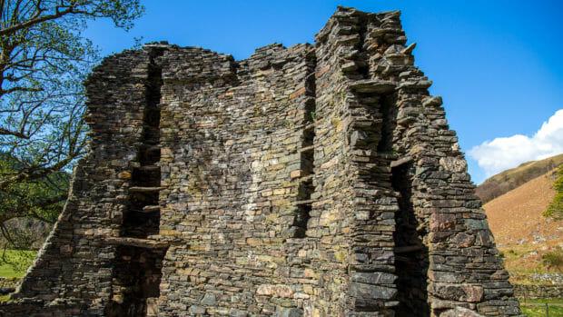 Brochs sind hohe und meist doppelwandige Bauten