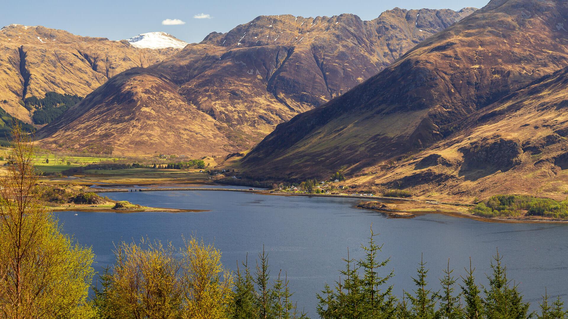 Loch Duich vor den Five Sisters