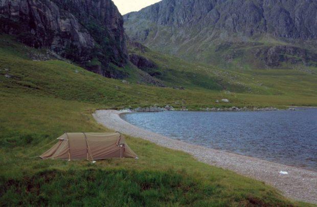 Zelt vor Fionn Loch