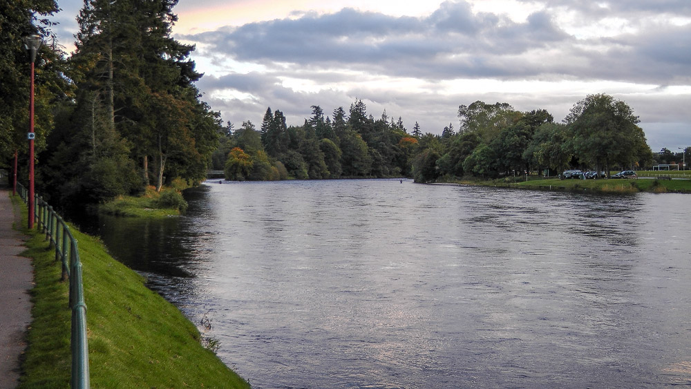 Inseln im River Ness