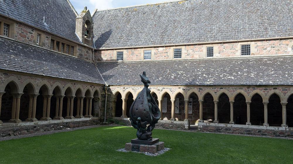 Iona-Abbey-Innenhof