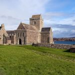 iona-Abbey-vorne