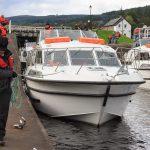 Boote ziehen in den Schleusen