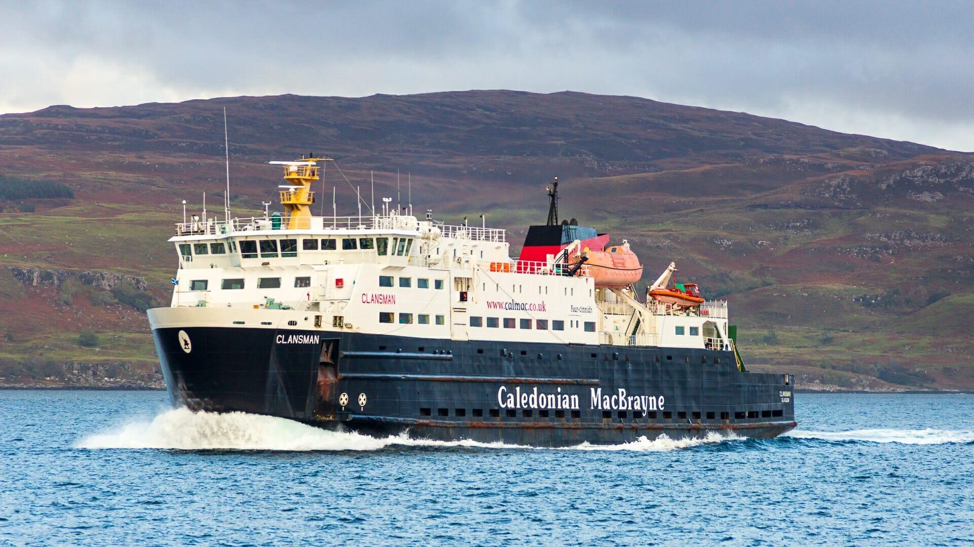 Die MV-Clansman auf den Weg zu den Äußeren Hebriden