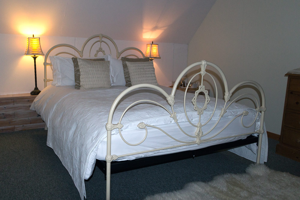 Doppelbett im Coruisk House