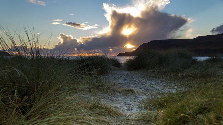 Calgaray Bay mit Sonnenuntergang