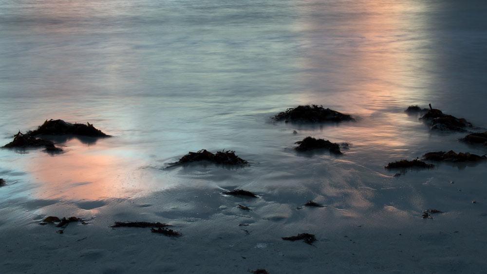 Spiegelungen im Strand von Calgary