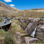 Glencoe Wasserfall bei der Autobahn