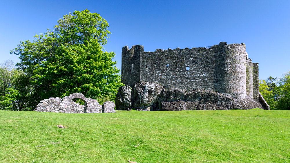 Dunstaffnage Castle und Ruine