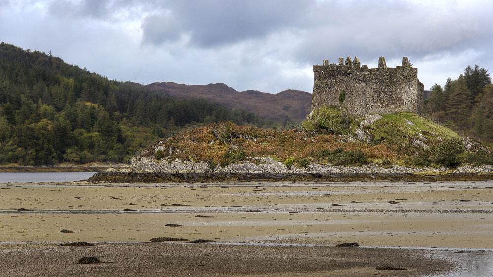 Castle Tioram auf der Insel