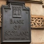 Schild der Bank of Scotland