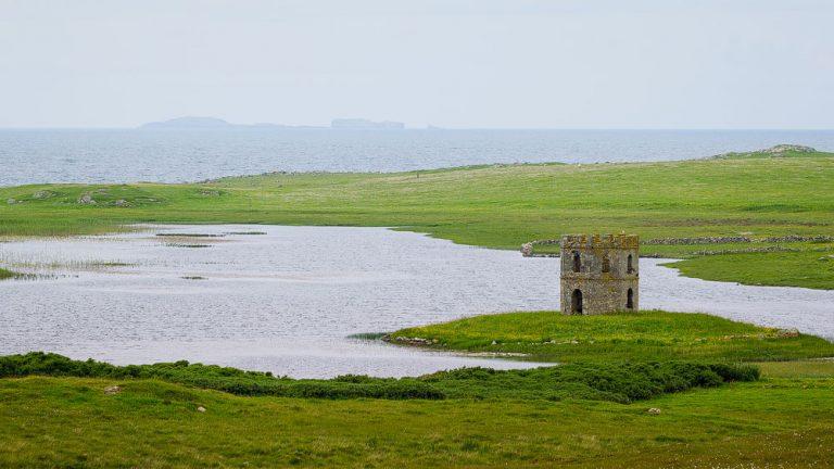 Scolpaig Tower auf North Uist