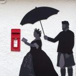 Victoria am Postkasten