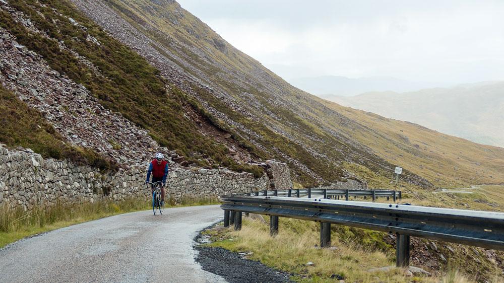 Radfahrer bei der Auffahrt