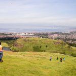 Rugby-Kick am Arthur's Seat 2
