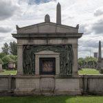 Eine neuere Grabfront
