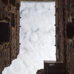 Blick im Torhaus nach oben