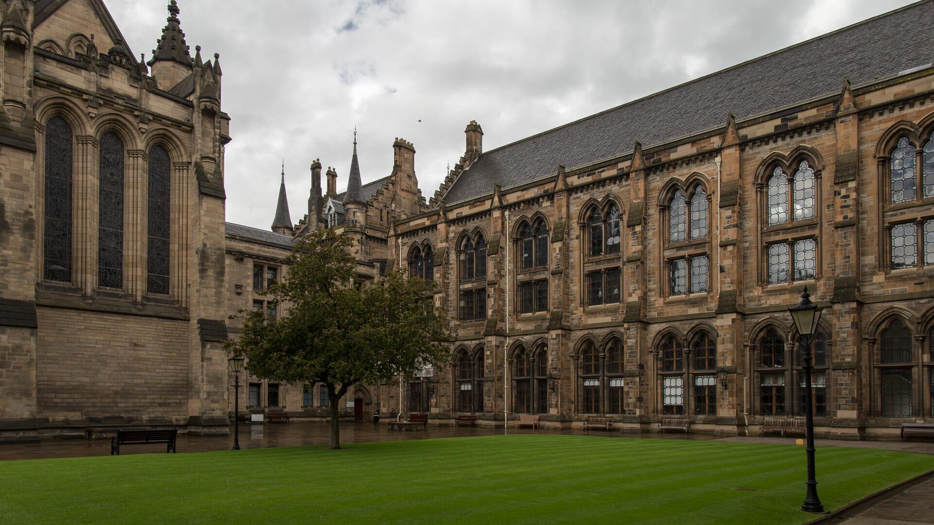 Innenhof der University of Glasgow