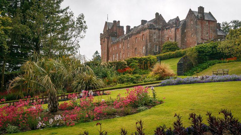 Brodick Castle vom Garten aus
