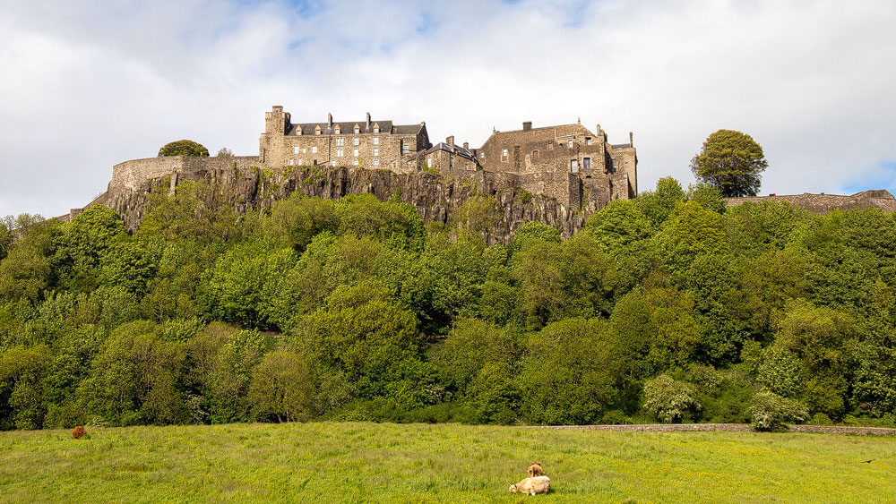 Stirling Castle thront auf dem Fels