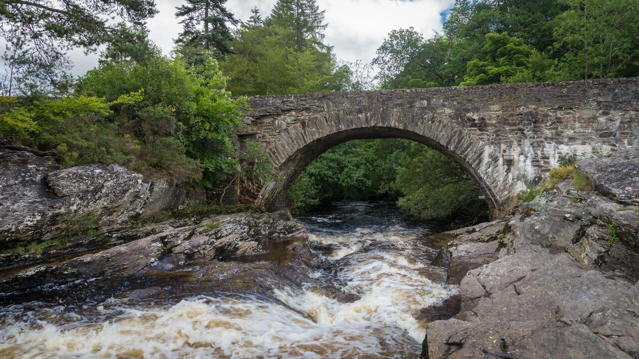 Brücke über den Dochart
