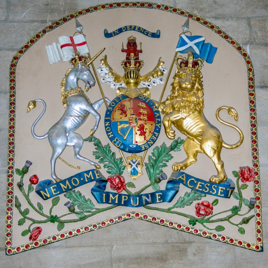 Britisches Wappen in der Glasgow-Kathedrale