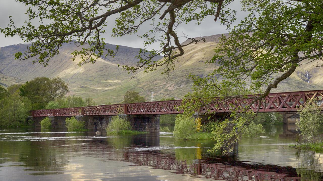 Eisenbahnbrücke über den River Orchy