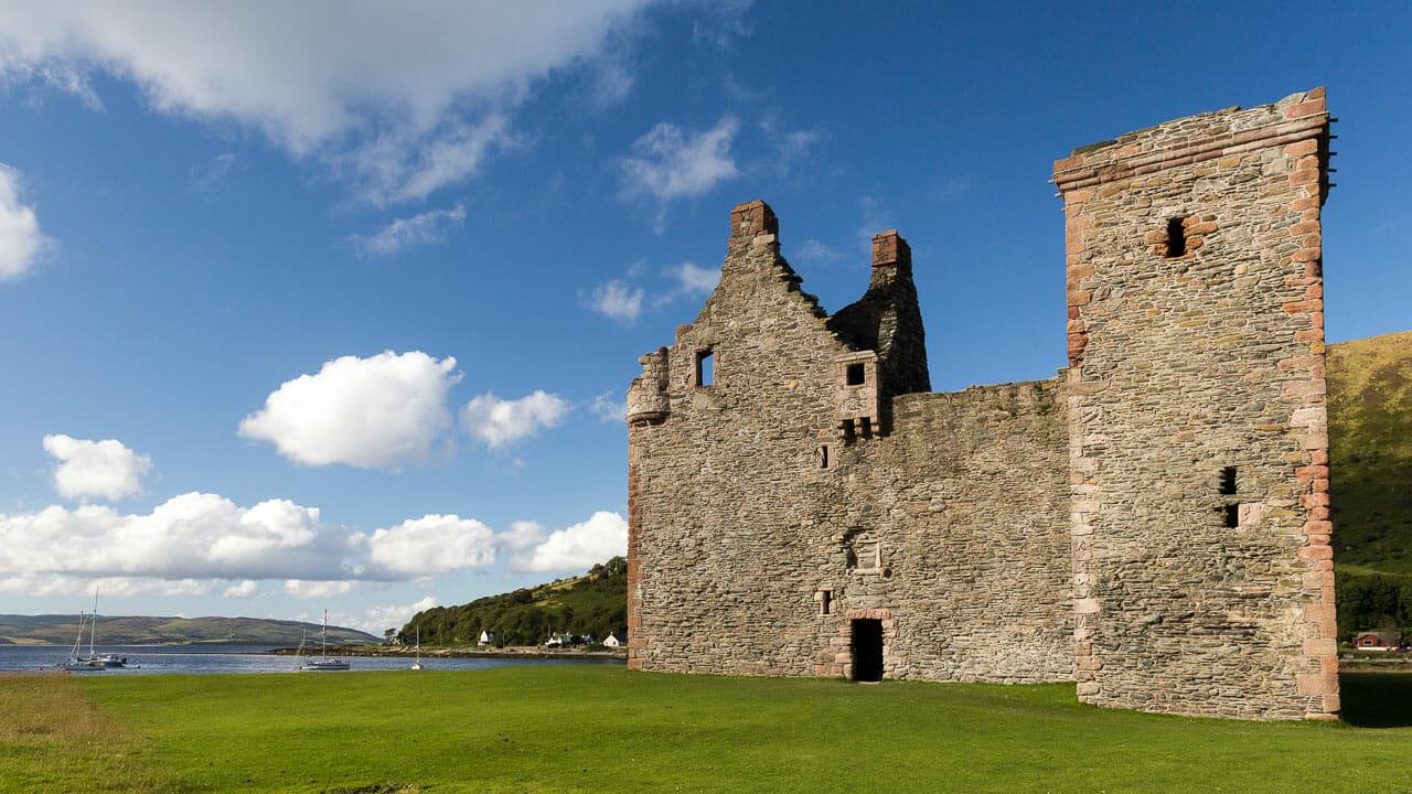 Lochranza Castle im Hellen