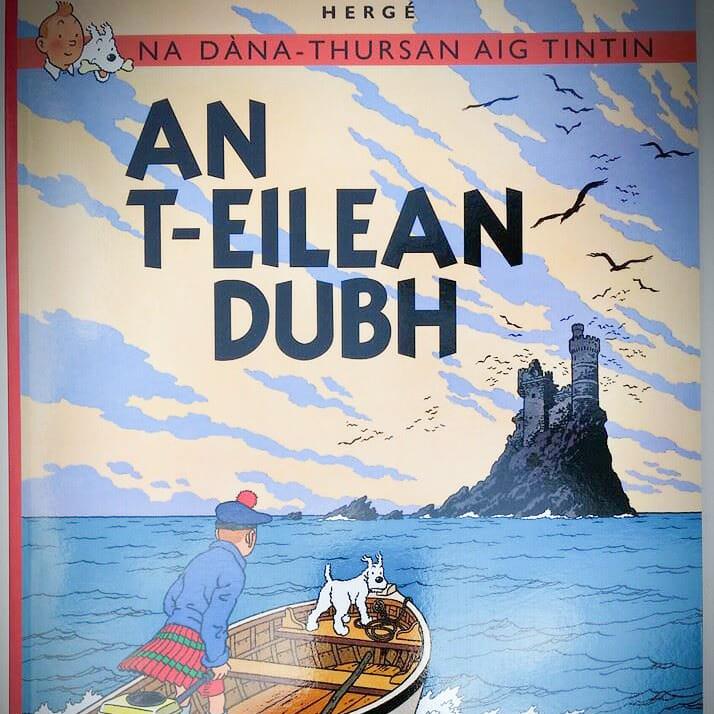 Titelbild der gälischen Ausgabe von Tim und die schwarze Insel