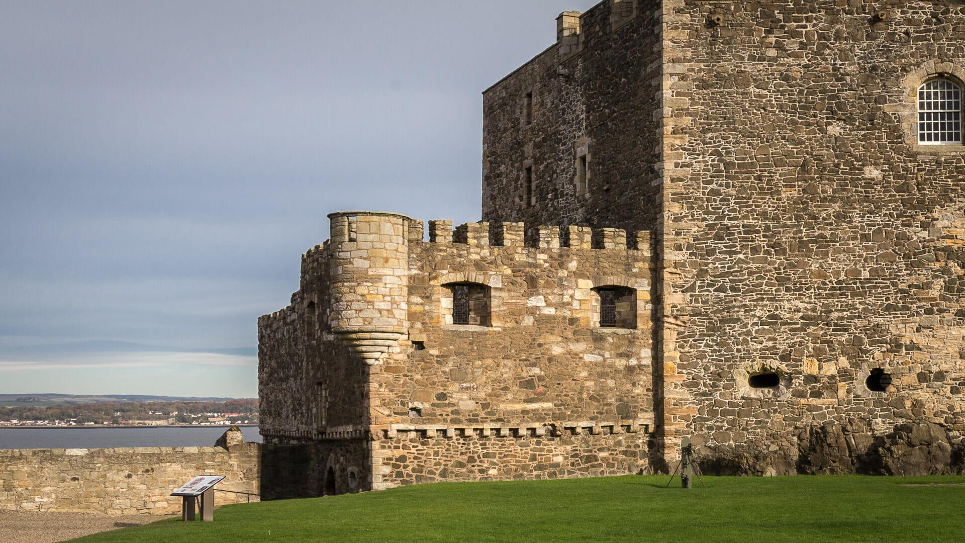 Sporn und Kaponniere der Blackness Castle