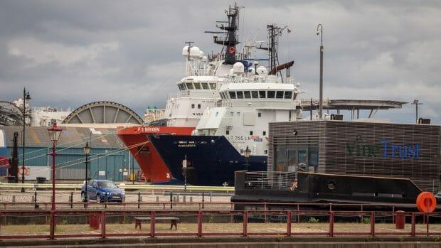 Schiffe im Hafen von Leith