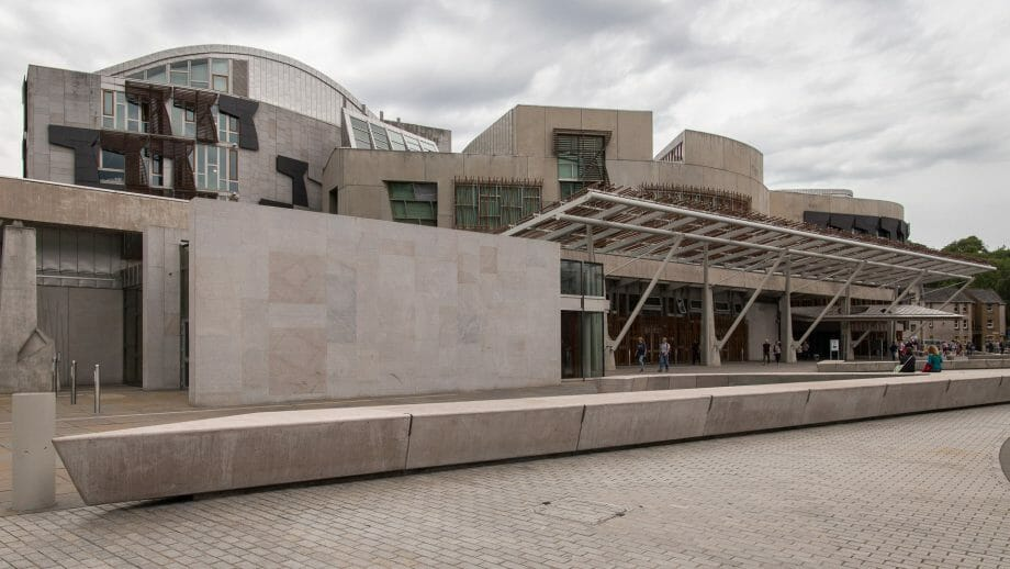Schottisches Parlamentsgebäude in Edinburgh