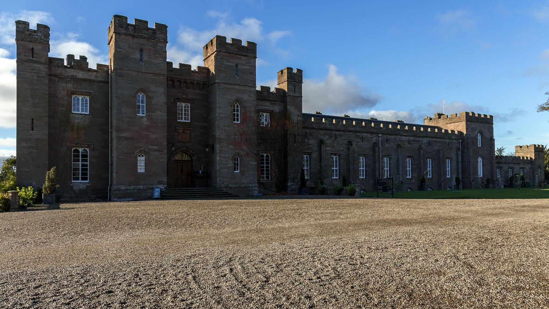 Scone Palace von der Seite
