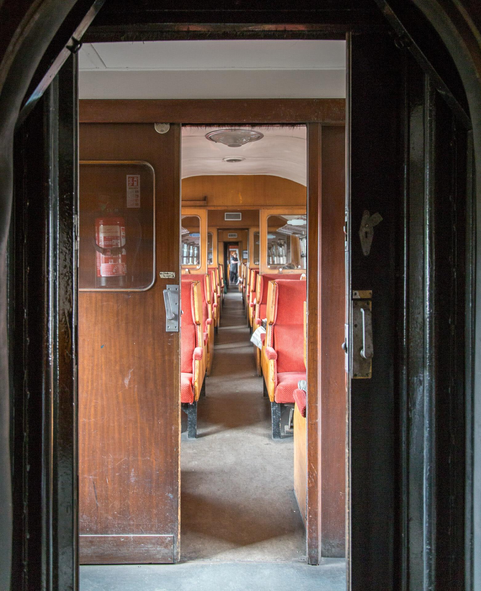 Der noch leere Zug
