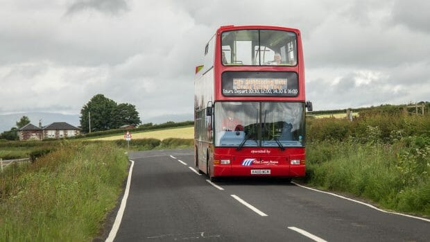 Sogar Busse von City Sightseeing verkehren auf Bute