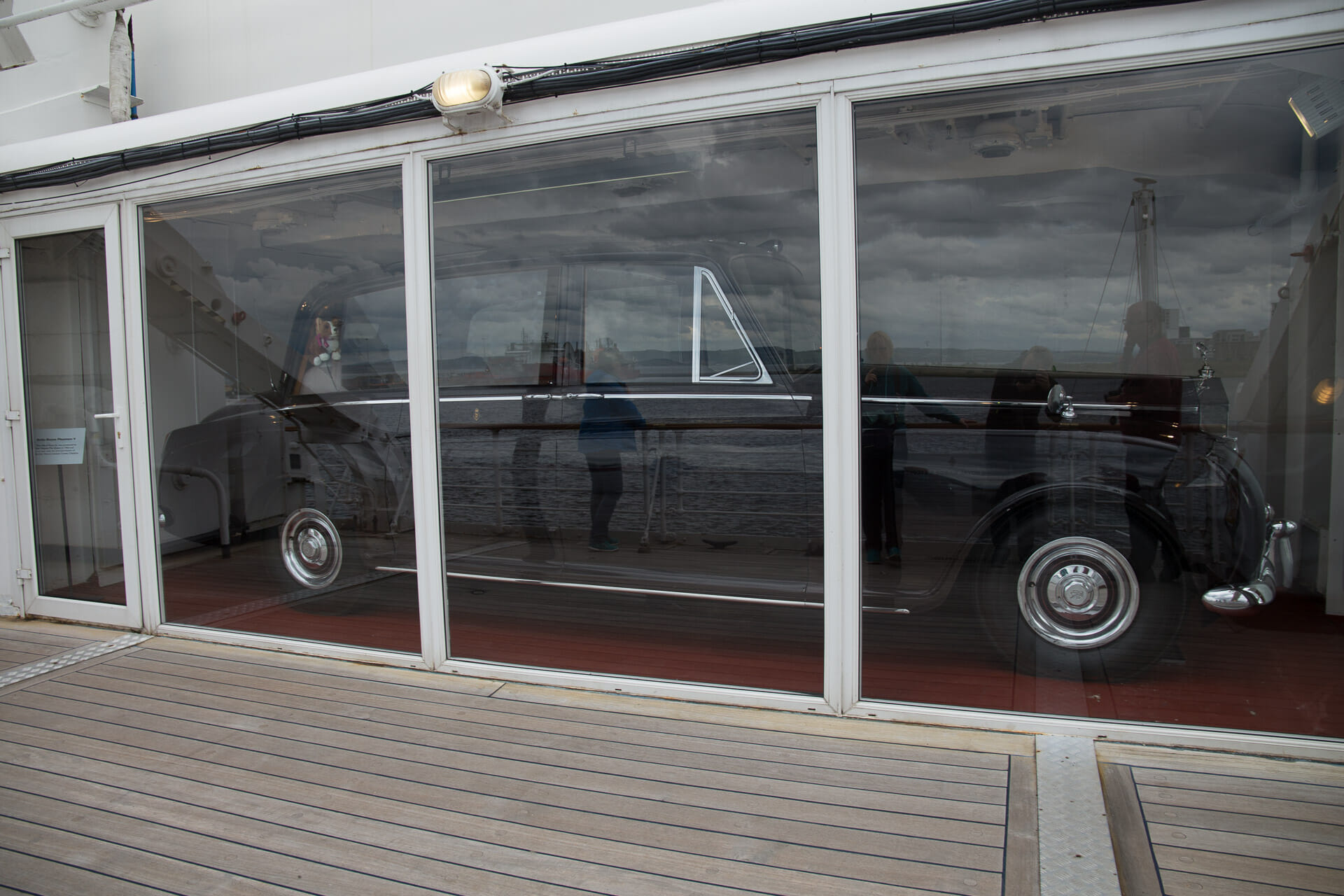 Rolls-Royce Phantom V auf der Royal Yacht