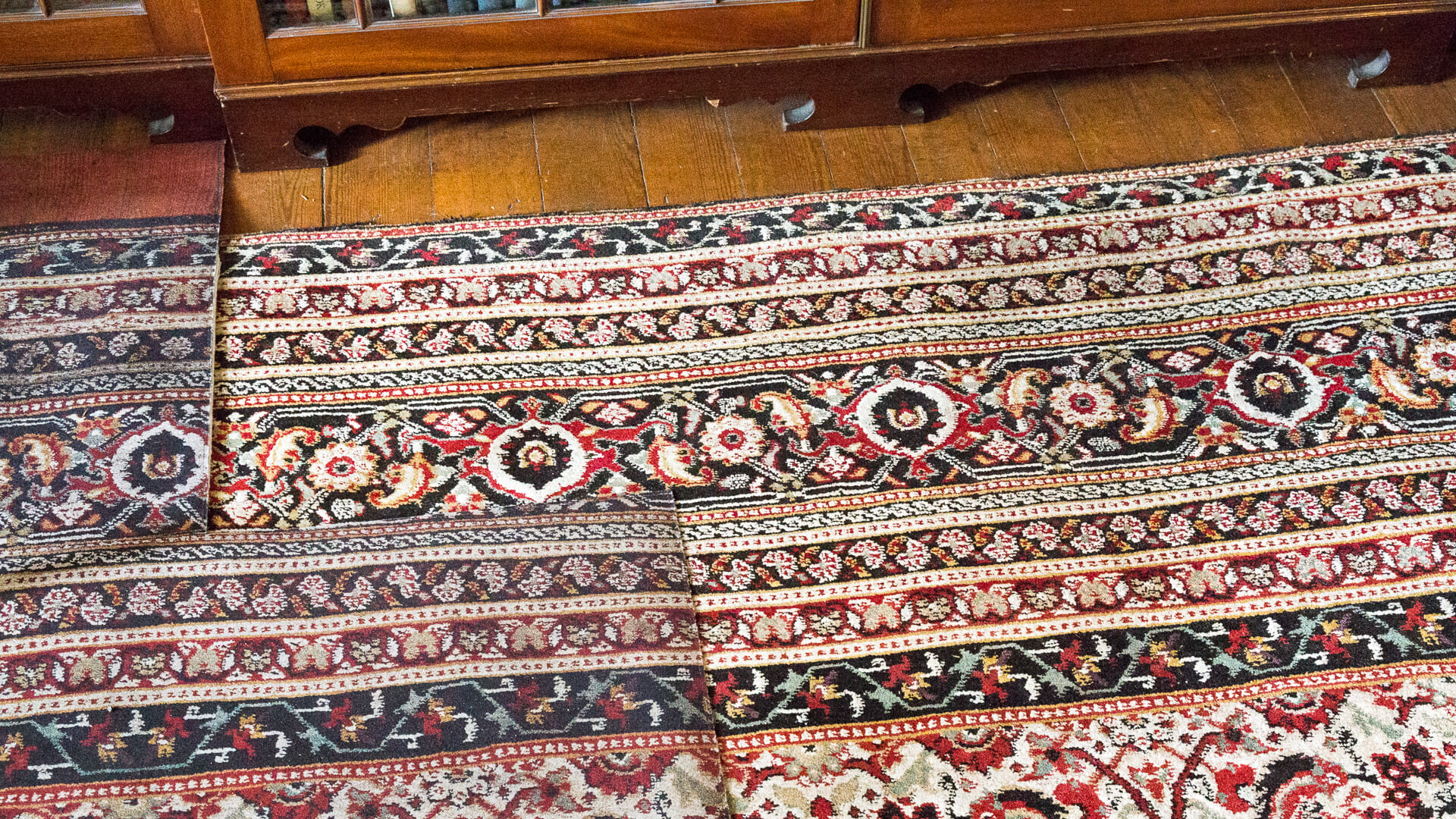 Teppich: Links Nachdruck, rechts Original