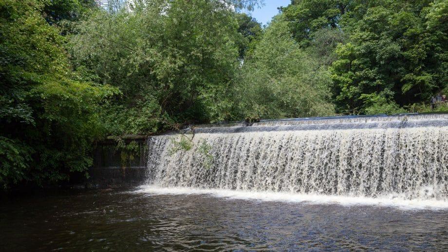 Wasserfall am Great Cauld des Leith