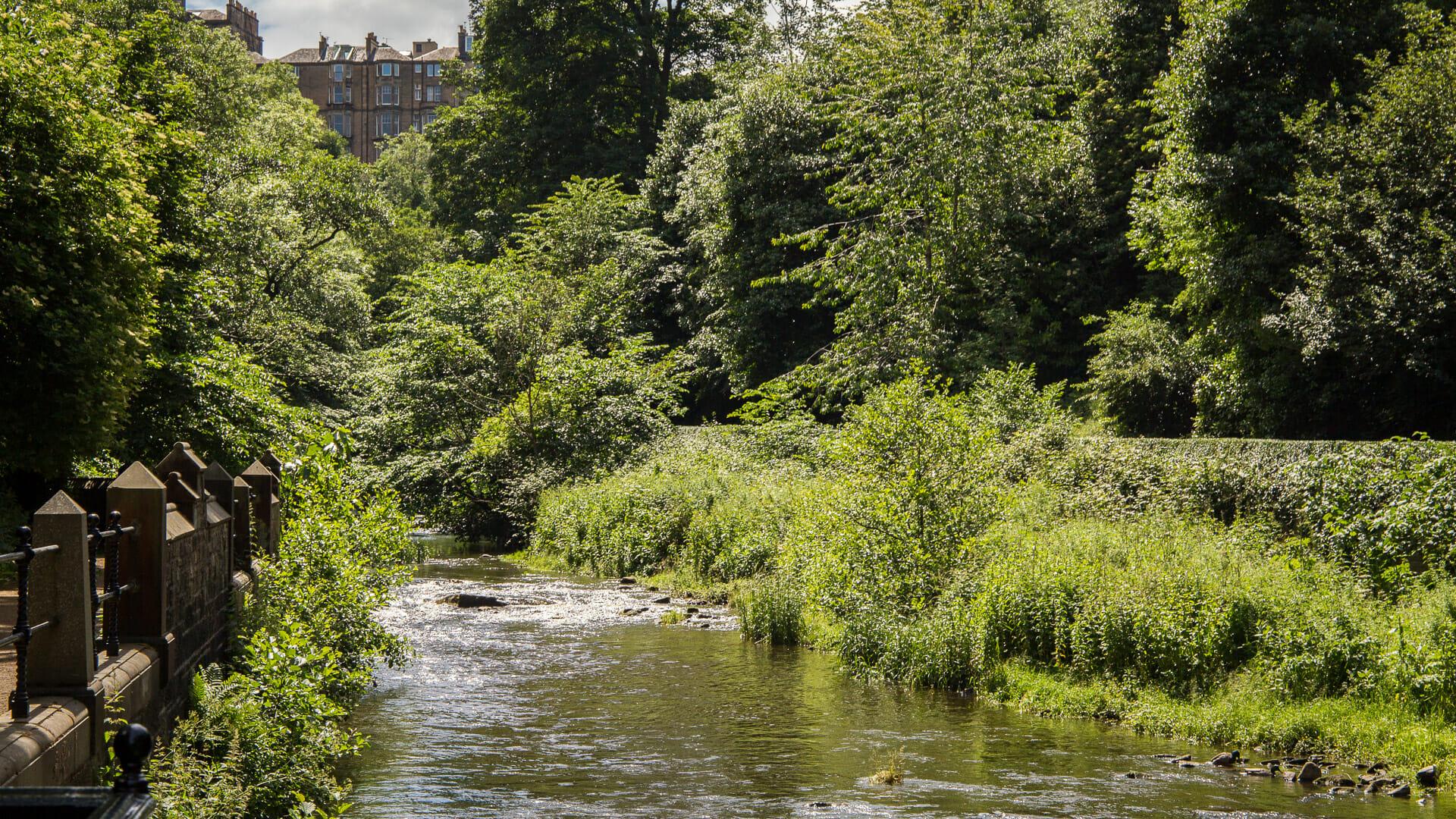 Blick auf den Fluss Leith