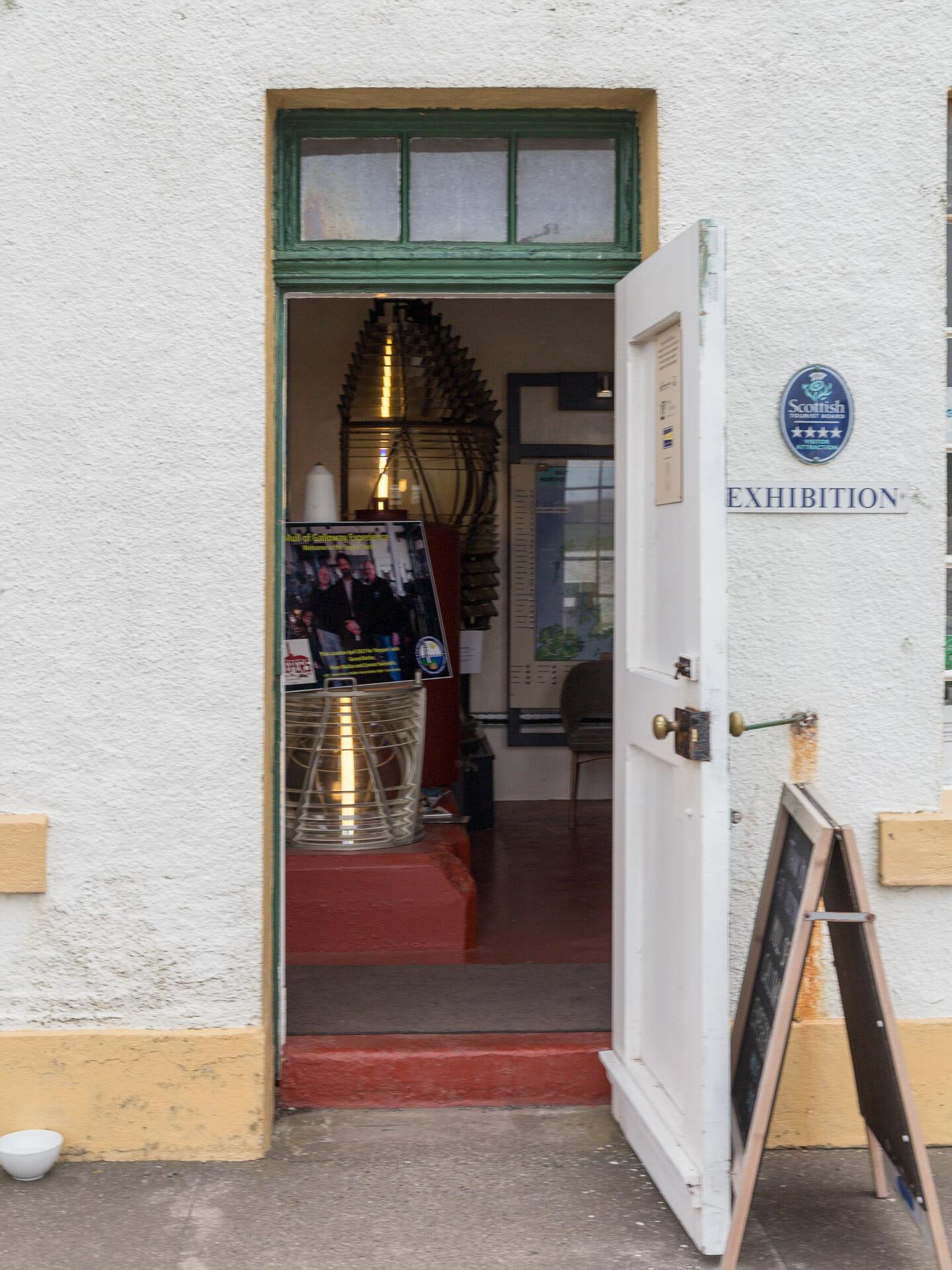 Eingang zum Turm und der Ausstellung