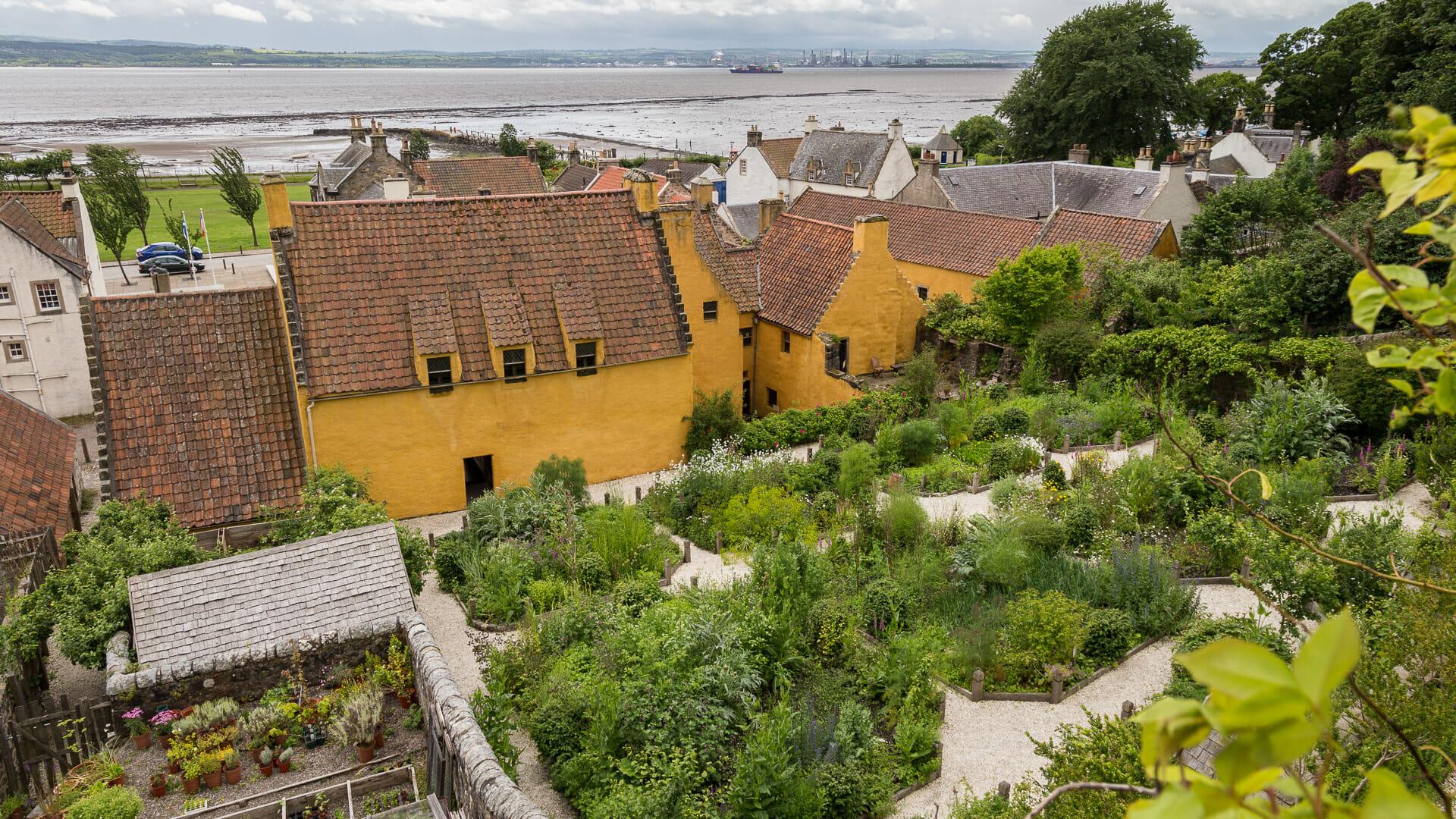Die ummauerten Gärten des Culross Palace