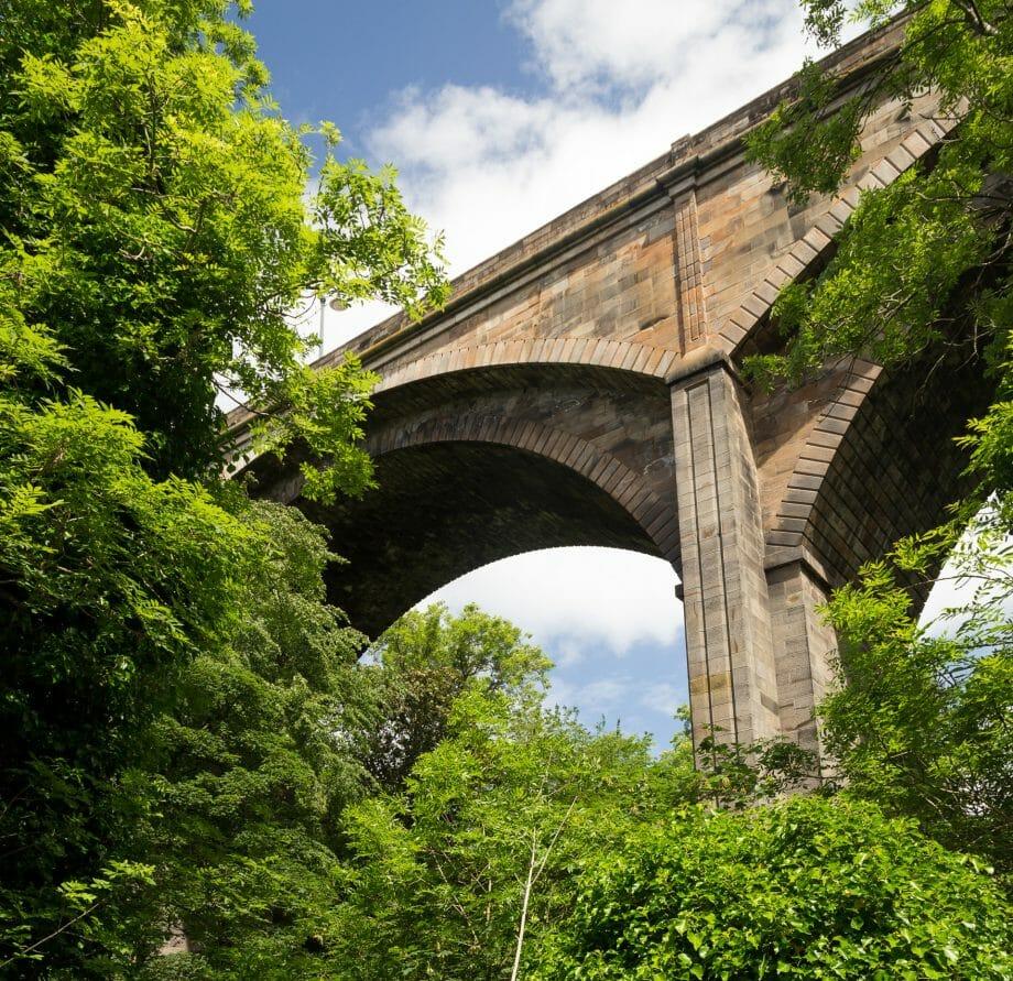 Dean Bridge von unten