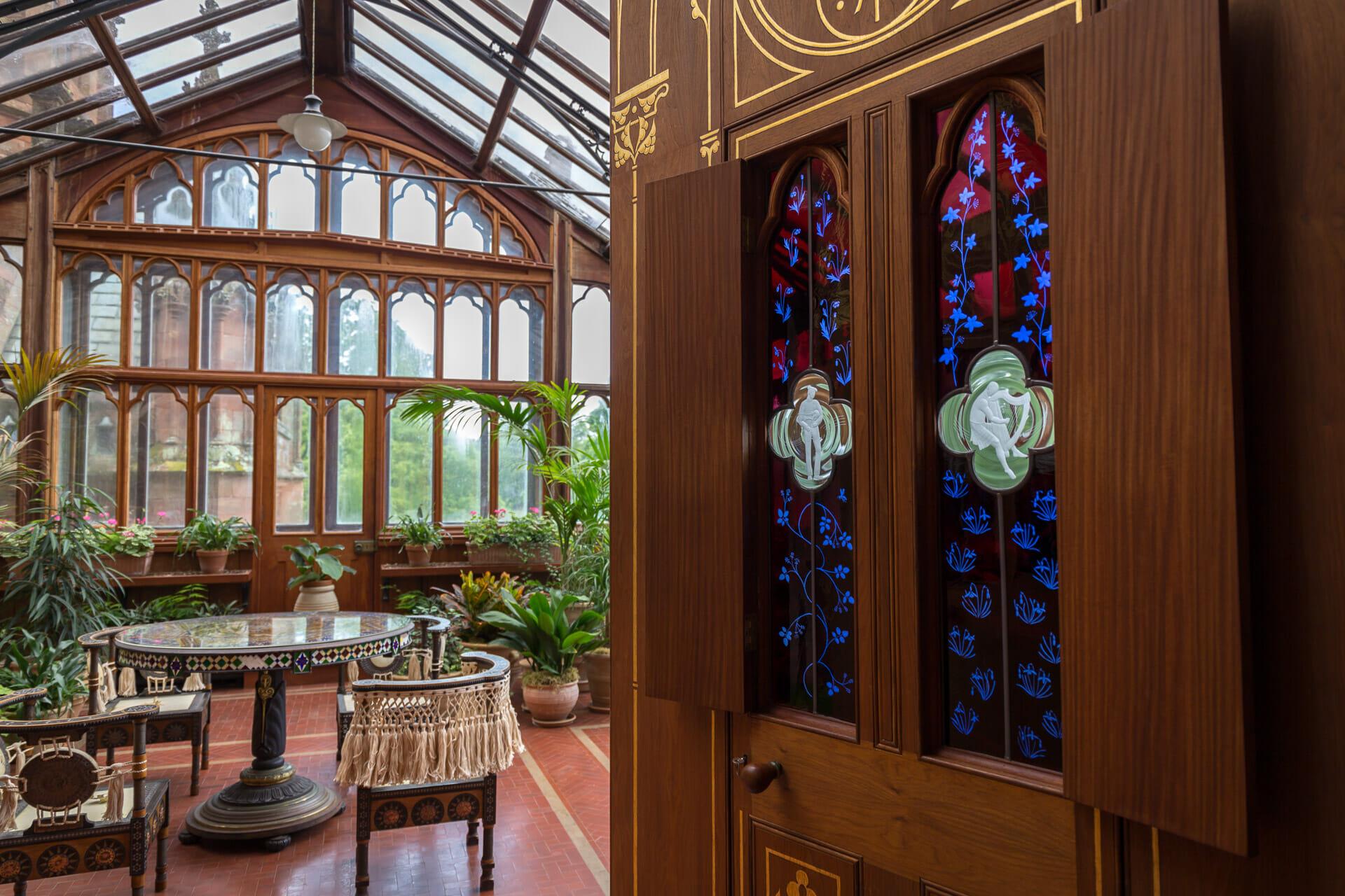 Wintergarten mit Glasfenster-Tür
