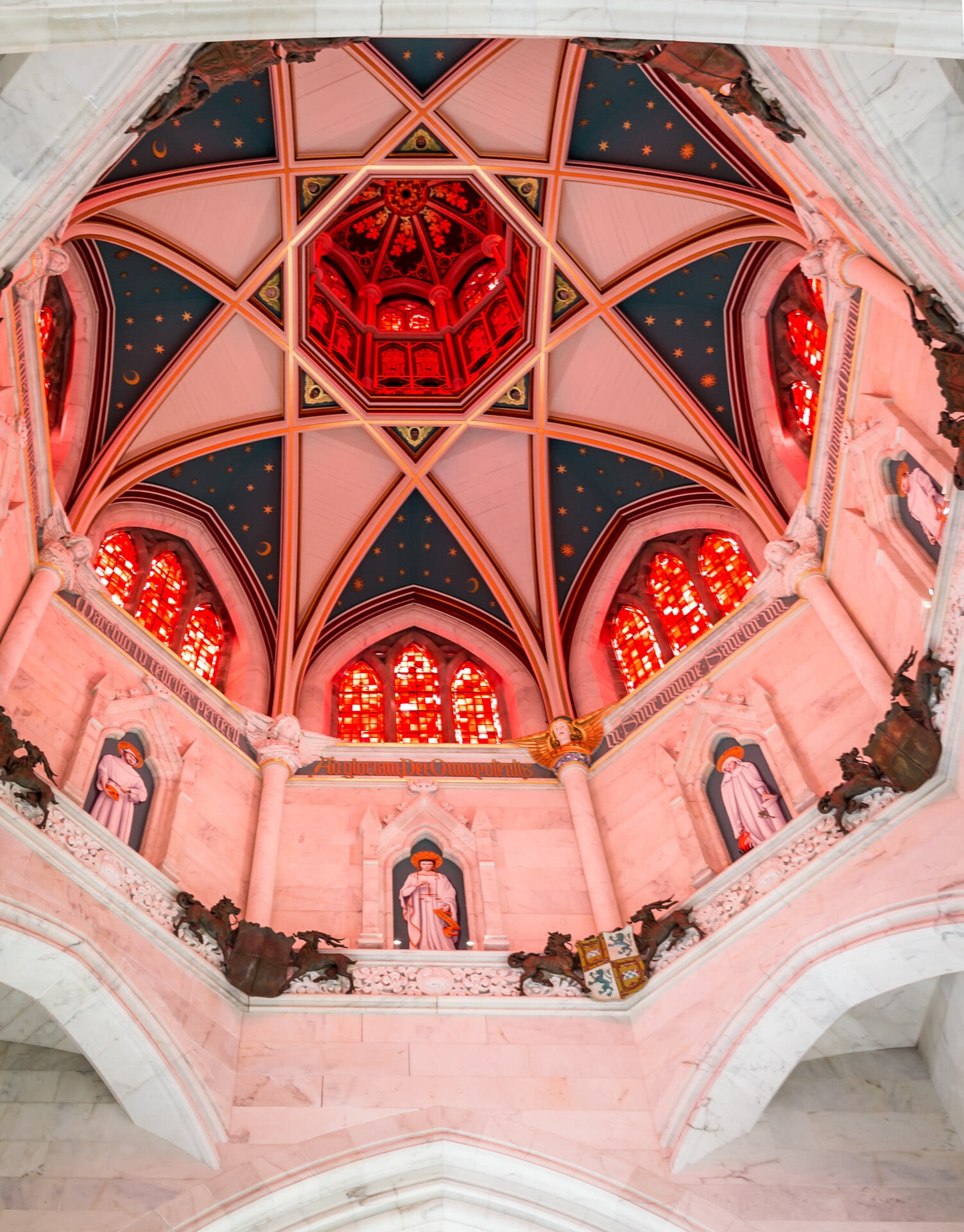 Deckenlicht der Kapelle