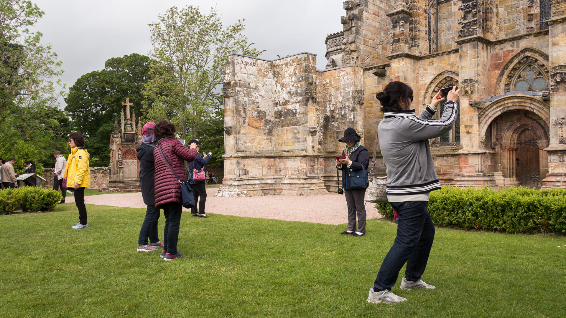 Touristen vor Rosslyn Chapel