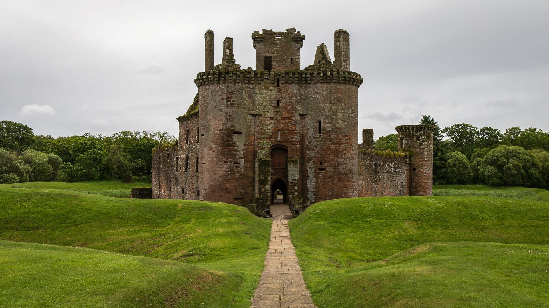 Der Zugang zur Caervalerock Castle