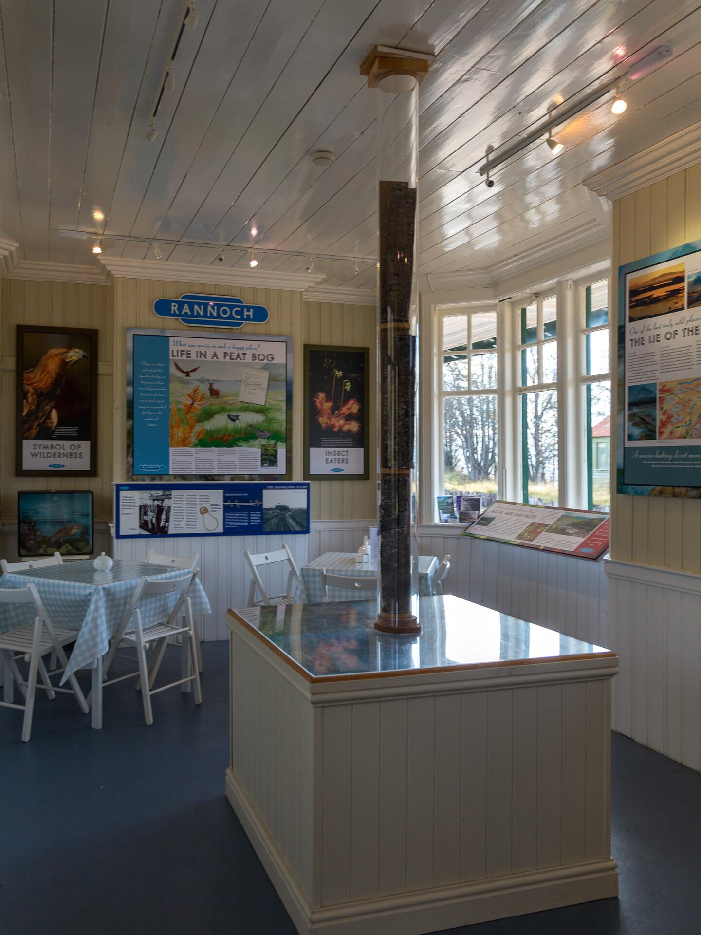 Ausstellung im Bahnhof