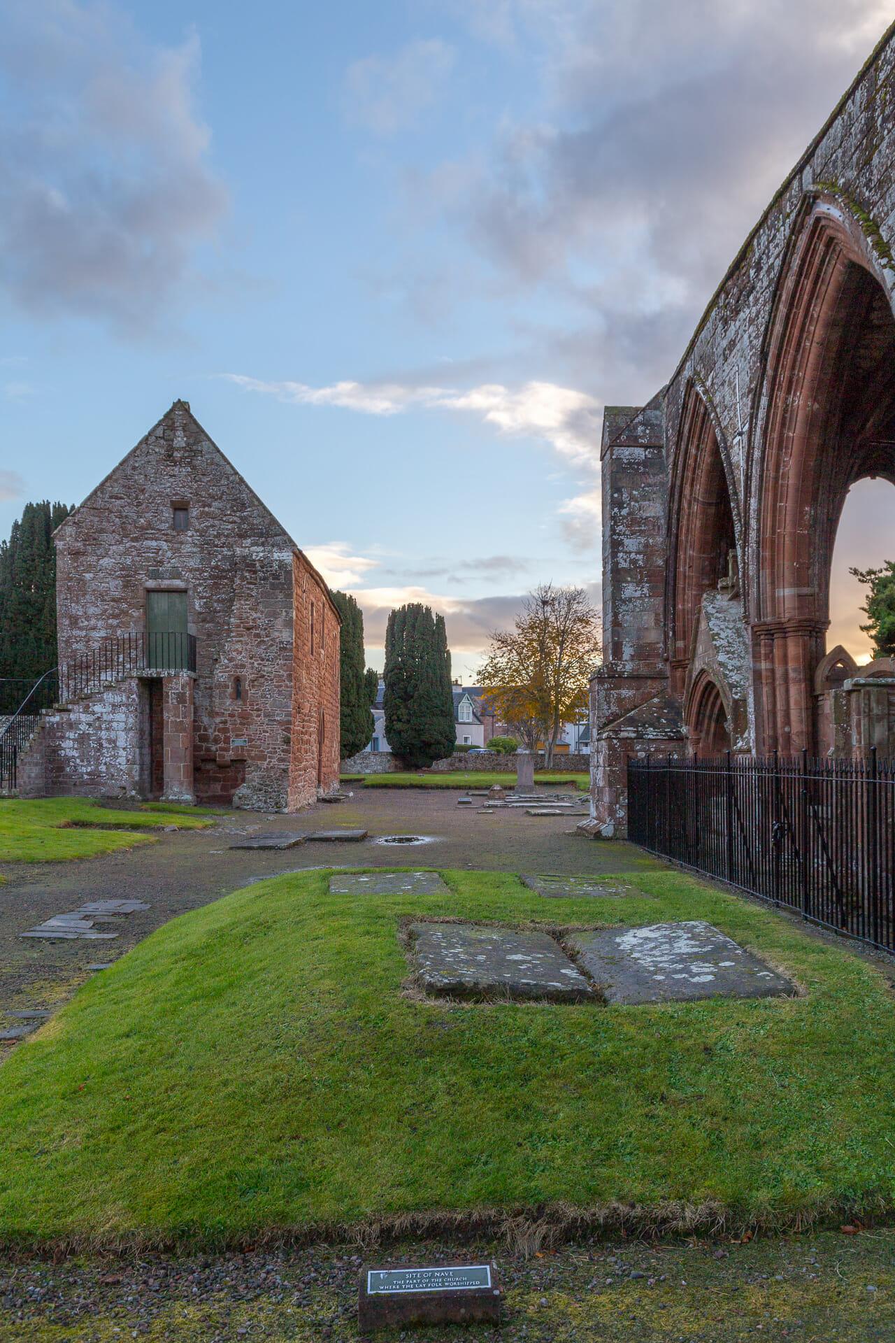 Hier stand einst das Hauptschiff der Kirche